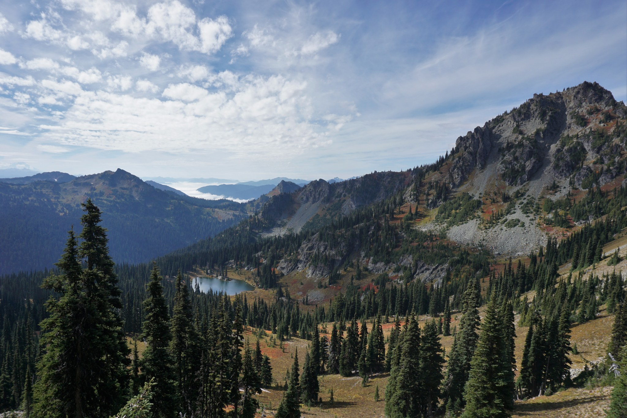 Sheep Lake from Sourdough Gap. Photo by hikeswith3..jpeg
