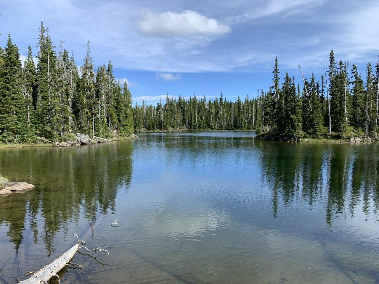 Dumbbell Lake. Photo by wishfulwanderer.jpeg