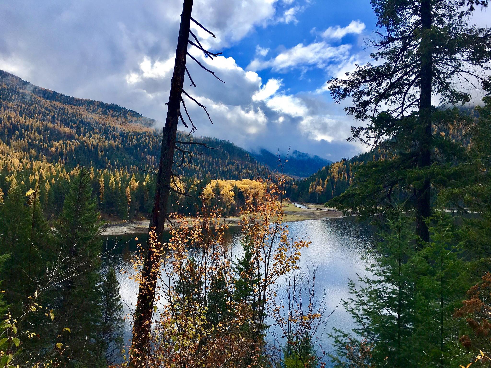 Fall colors at Sullivan Lake