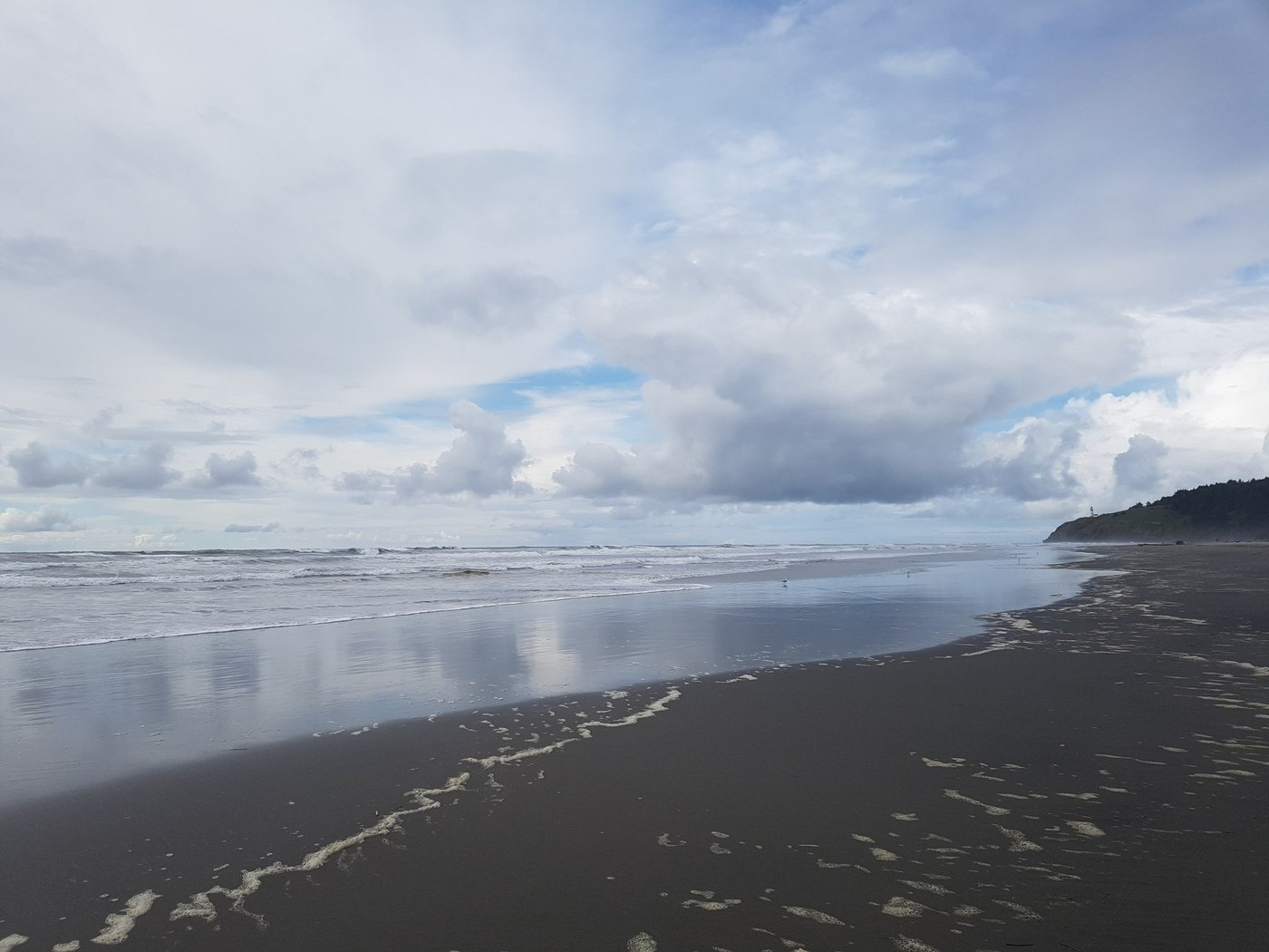 The beach at Cape Disappointment State Park. Photo by wjl8.