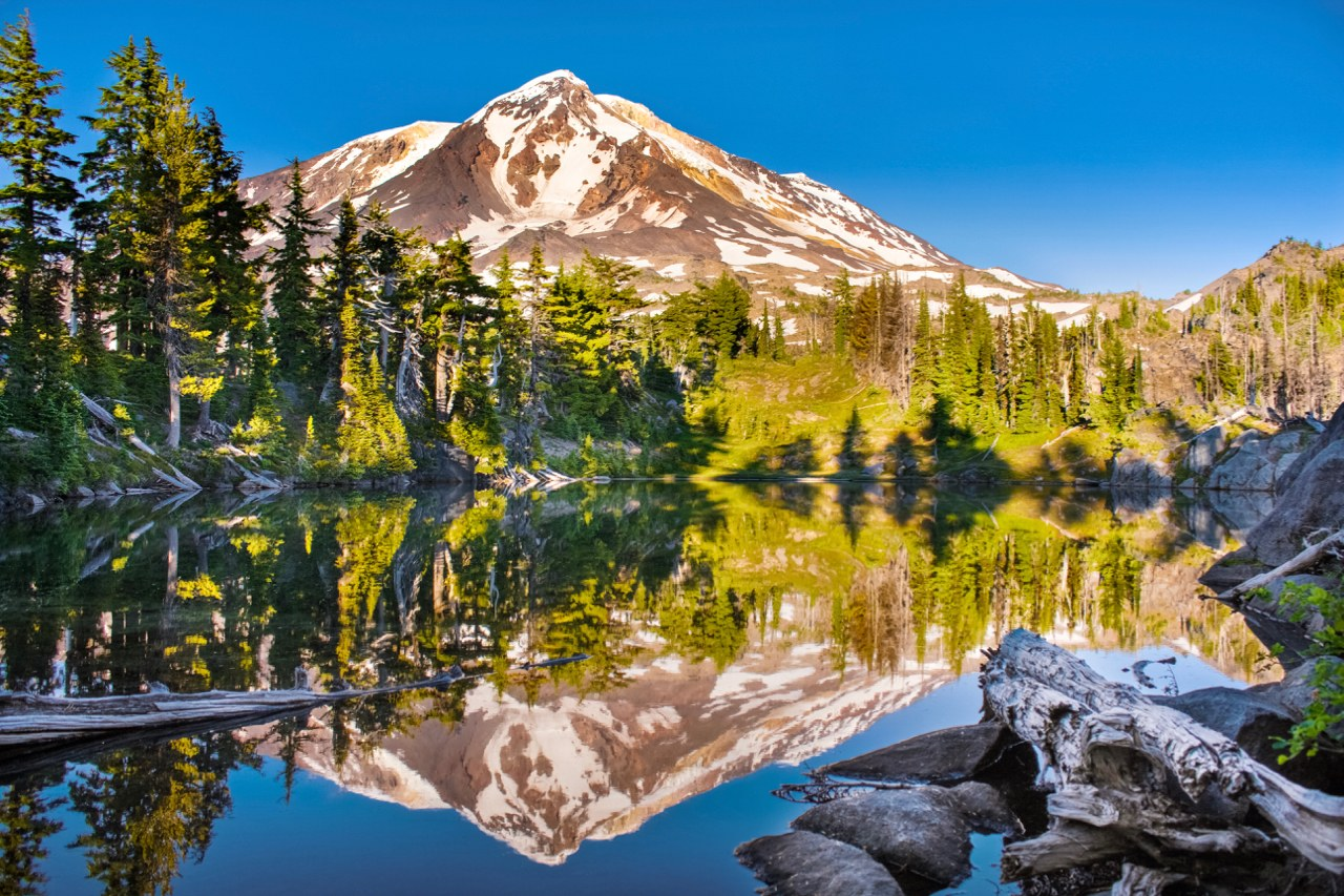 Crystal Lake. Photo by Elementalll..jpeg