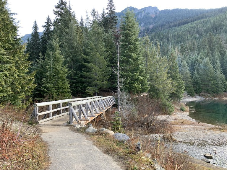 Gold Creek Pond. Photo by CiscoKitty.