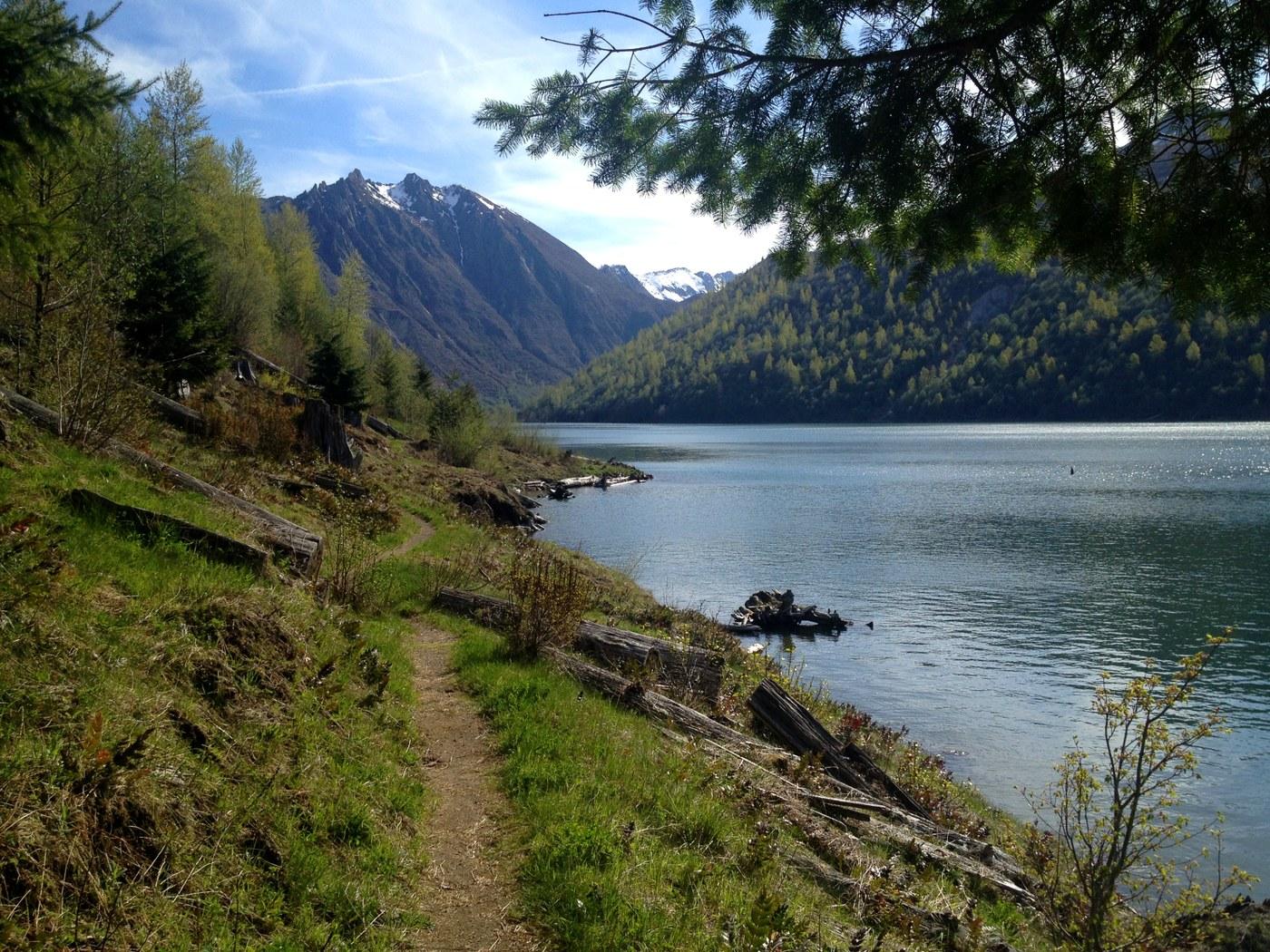 Lakes Trail. Photo by Niko Niko.jpeg