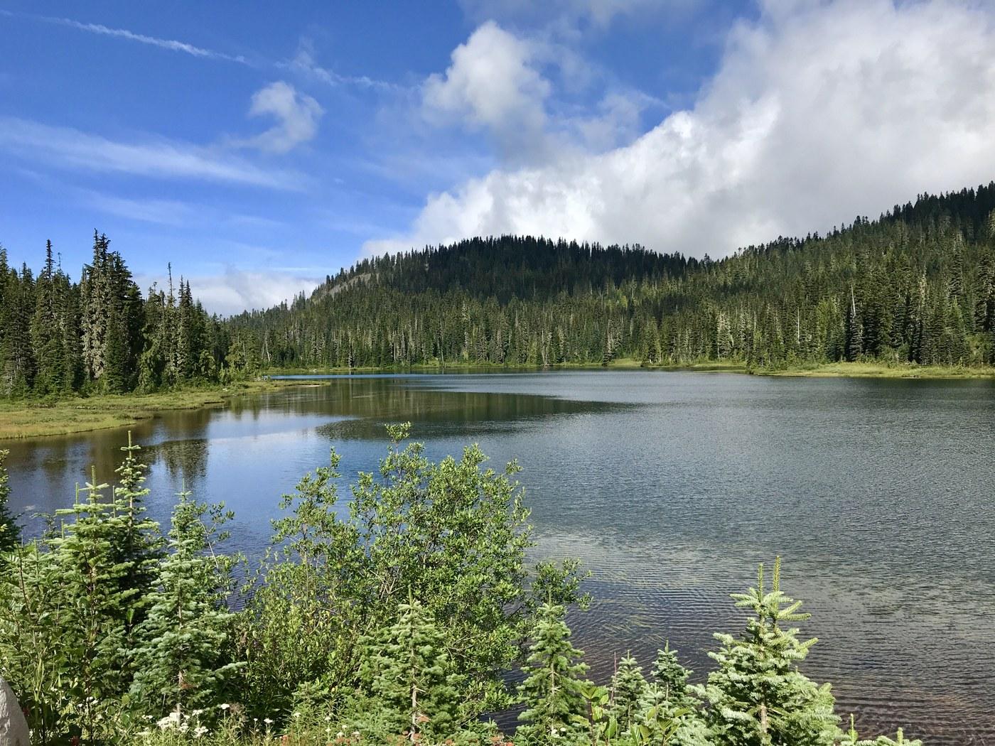 Reflection Lake. Photo by Ash99.