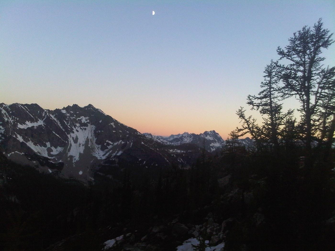 Twisp Pass. Photo by JustLikeHiking.jpeg