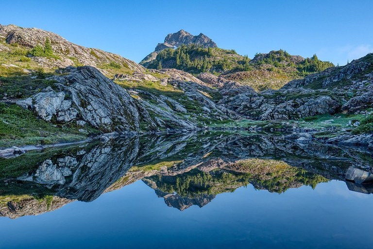 Gothic Basin tarn with Del Campo view by mijamo