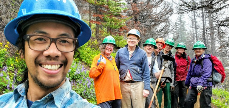 WTA work party at Corral Pass.jpg