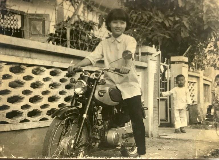 Britt Lê's mom at 16