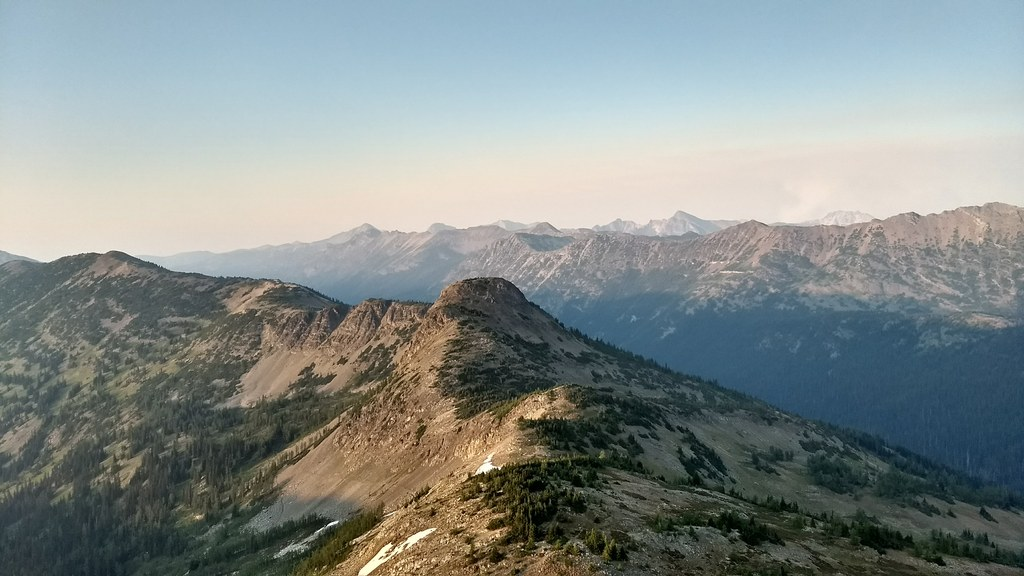 Northeast view from Slate Peak. Photo by A.Hiker.