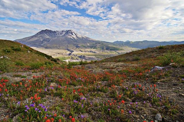 Mount St. Helens by Zi Xian Leong.jpg