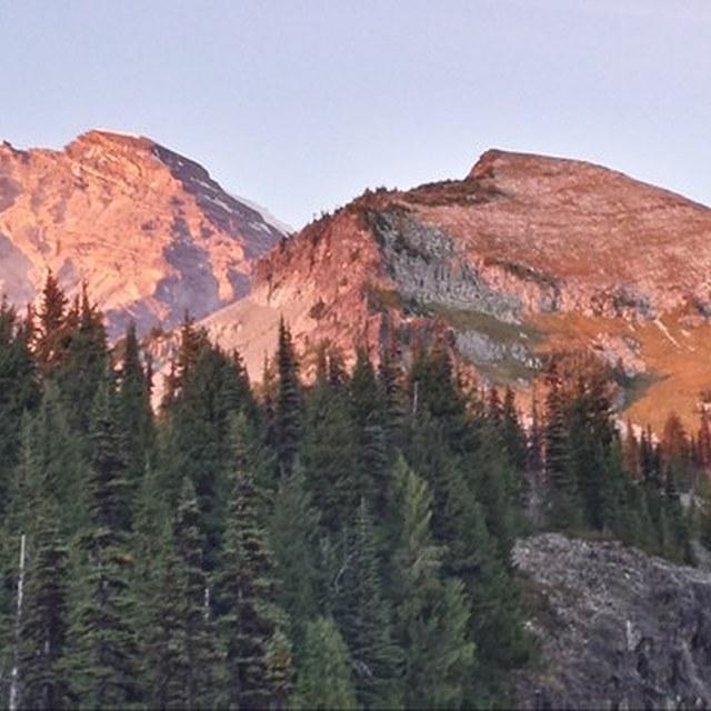 Pyramid Peak views PCT