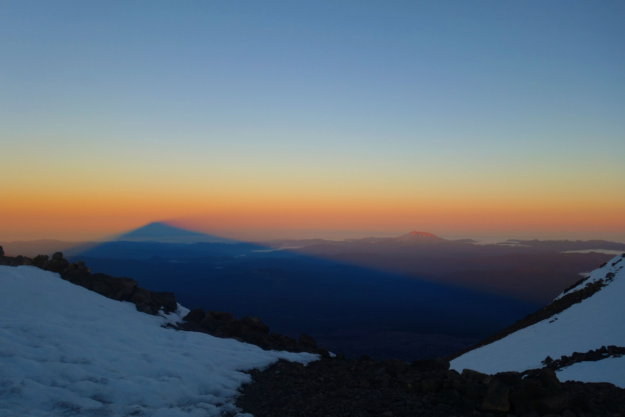 Sunrise at Mount Adams. Photo by seltaire.jpg