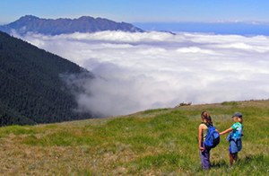 Young hikers on Obstruction Point Trail