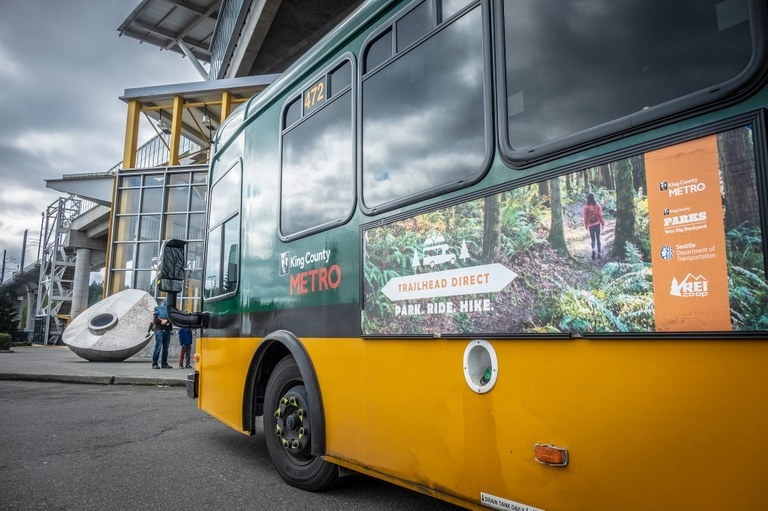 A Trailhead Direct bus.
