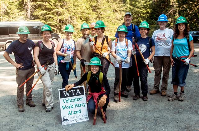 Group at Slab Camp trailhead. Photo by Elena Bahzenova