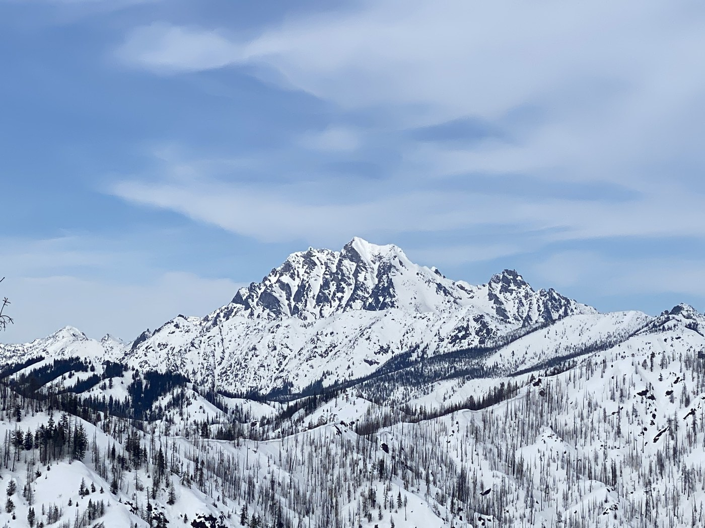Snowshoers near Teanaway Butte. Photo by Cascade Dreams.