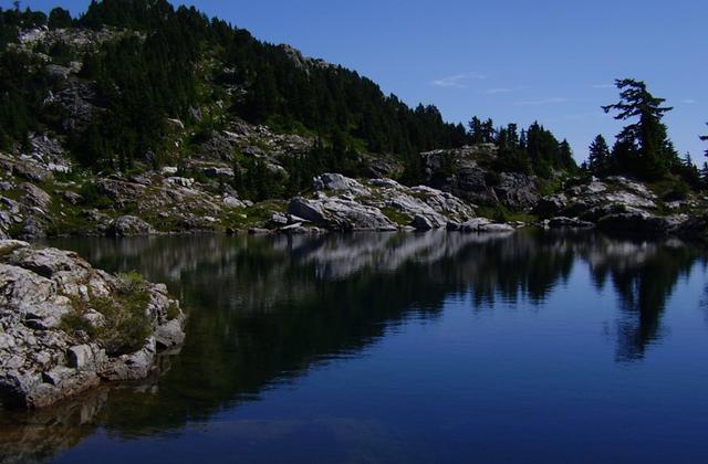 Pinnacle Lake Whidbey Walker